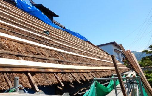 茅葺屋根の屋根板金改修工事